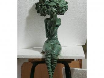 مجسمه سازی ، مجسمه فانتزی.مدلسازی با خمیر و تکثیر و قالبگیری این کار از ابتدا تا انتها توسط بنده انجام شده است.امکان ساخت در رنگهای مورد نظرتان مقدور میباشد .در صورت تمایل به خرید لطفا تماس حاصل فرمایید.